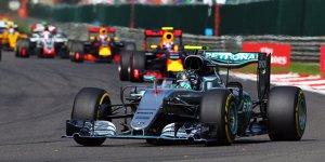 Pl�tzlich angreifbar: Reifendruck bringt Mercedes aus der Spur