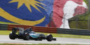 Mercedes in Malaysia: Hamilton will Pendel zu sich schwingen