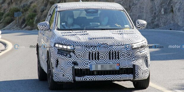 2022 Renault Kadjar neues Spionagefoto (Innenraum)