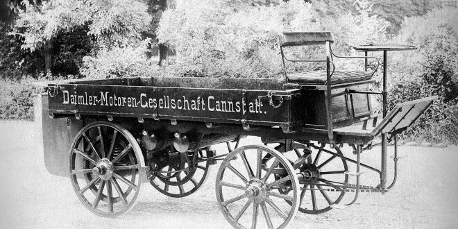 Gottlieb Daimler war kreativ ... - So sieht der erste LKW von 1896 aus