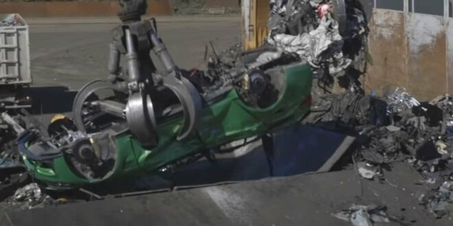 Er enthielt gestohlene Teile von vier verschiedenen Fahrzeugen - Polizei verschrottet BMW M3