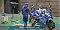 Suzuki-Fahrer testen im Windkanal