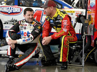 Tony Stewart, Clint Bowyer