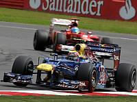 Mark Webber vor Fernando Alonso