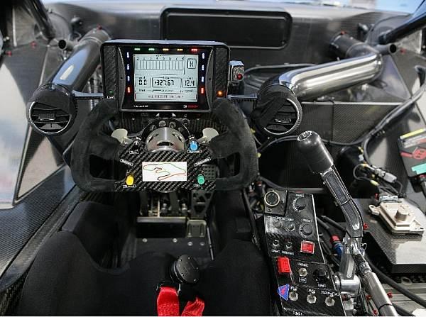 Auto cockpit erklärung  Hochtechnologischer Arbeitsplatz - DTM bei Motorsport-Total.com