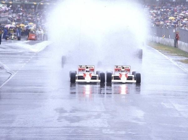 Kontroverser Start in Adelaide: Senna und Prost kommen einander gefährlich nahe