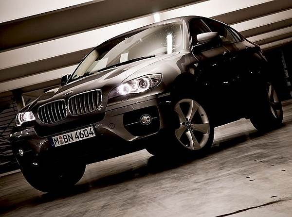bmw x6 35d fahrbericht bmw x6 35d auto bike bei motorsport. Black Bedroom Furniture Sets. Home Design Ideas