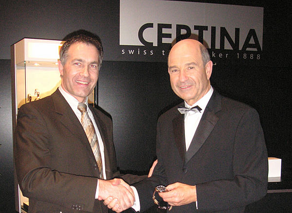 39 certina 39 pr sident adrian bosshard und teamchef peter sauber certina verl ngert als sauber. Black Bedroom Furniture Sets. Home Design Ideas