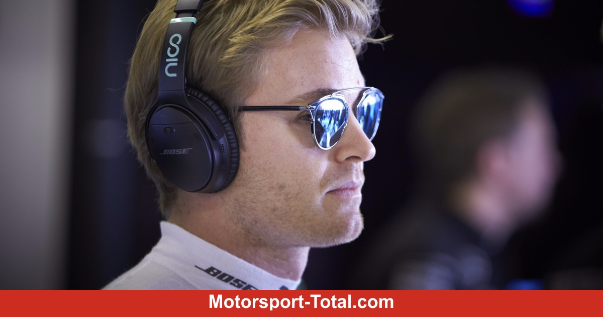 nico rosberg den titel im kopf gewonnen formel 1 bei motorsport. Black Bedroom Furniture Sets. Home Design Ideas